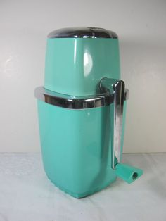 Cursh me! Retro 50's Turquoise ICE CRUSHER from Maid of Honor by LavenderGardenCottag