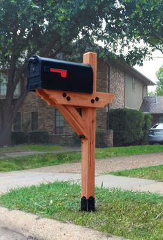 dress your mailbox up in style with this wood post mailboxlandscape mailboxlandscaping post design ideas n76 design