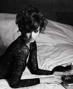"""Look """"Belle de nuit"""" par le coiffeur Elefterios Kikeris - L'Oréal Professionnel"""