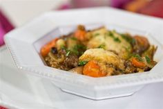 Al Roker cooks oxtail stew and dumplings Oxtail Recipes, Slow Cooker Recipes, Cooking Recipes, Stew And Dumplings, Oxtail Stew, Dumpling Recipe, Recipe Today, Tasty Dishes, Soups And Stews