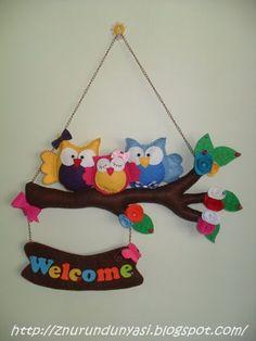 owl welcome sign Owl Crafts, Diy Home Crafts, Crafts For Kids, Arts And Crafts, Paper Crafts, Felt Decorations, School Decorations, Art N Craft, Diy Art