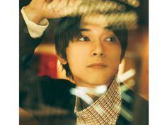 一層盛り上がりをみせている日比谷・有楽町エリアは映画やデートで盛り上がること間違いなしの街。〝今旬〞の俳優 吉沢亮さんとお忍びデートしちゃいました! Male Pose Reference, Ryo Yoshizawa, Cute Love Stories, Asian Love, Asian Guys, Photoshoot Concept, Japanese Boy, Chinese Boy, Good Looking Men