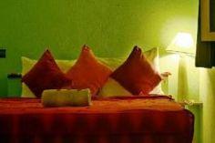 """Le Riad """"La Maison d'Azzouz 7"""" porte le prénom, de celui qui a créer l'école coranique du quartier. La maison se compose de 7 chambres sur plusieurs étages et de trois niveaux de terrasses. Riad Essaouira, Le Riad, Style Marocain, Love Seat, Couch, Furniture, Home Decor, Living Room With Fireplace, Terraces"""