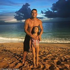 Jenna Dewan, Dax Shepard Kids, Chris Martin Kids, Channing Tatum Instagram, Ryan Reynolds Kids, Beach Watch, Hot Dads, You Are My World, Writing A Book
