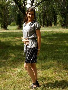 Un chemisier Burda d'Avril 2014 et une jupe issue d'une magazine création couture. Prochainement sur mon blog: http://lescreationsdecaroscrap.blogspot.fr/