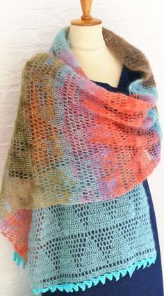 Crochet scarf with open triangles Crochet Wool, Crochet Poncho, Crochet Scarves, Lace Knitting, Crochet Yarn, Crochet Clothes, Crochet Stitches, Free Crochet, Shawl Patterns