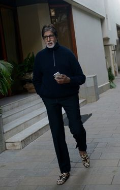 Bollywood Actors, Bollywood Fashion, Amitabh Bachchan Quotes, Online Lottery, Glamour World, Hd Nature Wallpapers, Vintage Bollywood, Celebs, Celebrities