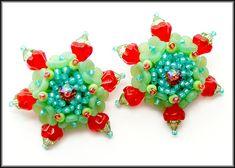 Kronleuchterjuwelen Glasperlenschmuck - Ohrringe rot-gruen (mit Blütenperlen)