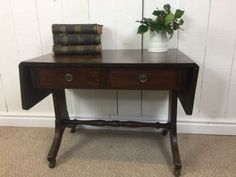 Drop-Leaf-Coffee-Table-With-Turned-Support-Traditional-Shape