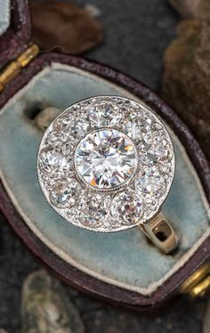 This beautiful diamond cluster ring will add some sparkle to where you want sparkle ✨ Sku AR17588 Diamond Cluster Ring, Halo Diamond, Diamond Shapes, Diamond Cuts, Bling Jewelry, Jewelry Box, Jewellery, Watch Necklace, Halo Rings
