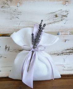 μπομπονιέρα γάμου πουγκί με πραγματική λεβάντα