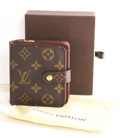 LOUIS VUITTON WALLET @Michelle Flynn Coleman-HERS