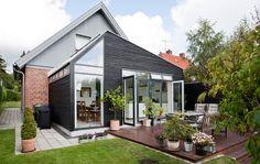 Kedeligt hus fik køkken i haven