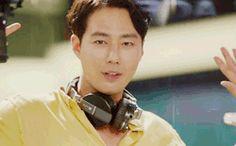 Love hes dance! Jo In Sung. It's Okay Thats Love It's Okay That's Love, Its Okay, Drama Korea, Korean Drama, Sung Dong Il, Gong Hyo Jin, Jo In Sung, Dramas, Do Kyung Soo