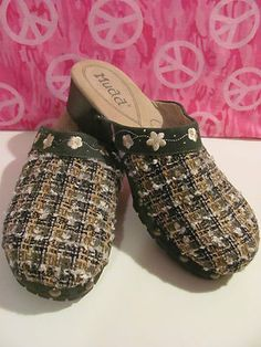MARIANA BY COLE    WOMENS BLACK LEATHER SHOES    BRAND NEW    SIZE 11    OPEN TOE    MARY JANE BUCKLE    .5 IN HEEL    MADE IN BRAZIL    AWESOME LEATHER    TOE STRAP FAUX CROC    VERY COMFY    SUPER CUTE    WONDERFUL ADDITION TO    YOUR WORK WARDROBE