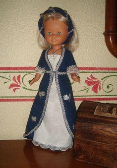 "Vestidos Para Nancy ""El Costurero De Chus"": Toda una dama Medieval .!!! Vestidos Nancy, Nancy Doll, Doll Home, Child Doll, Superstar, Cool Pictures, Doll Clothes, Princess Zelda, Shirt Dress"