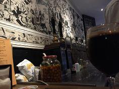Ale & Hop. Si vous voulez boire une bonne bière à Barcelone, Ale&Hop est l'endroit où aller. Espagne Barcelone