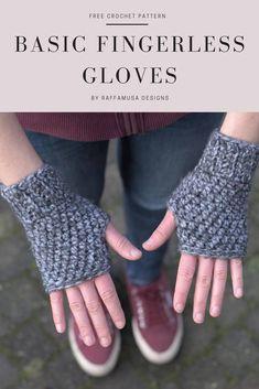 Crochet Basic Fingerless Gloves • Free Pattern by RaffamusaDesigns Crochet Geek, Chunky Crochet, Crochet Yarn, Crochet Stitches, Free Crochet, Crochet Ideas, Crochet Projects, Quick Crochet, Crochet For Boys