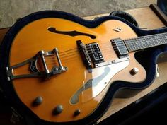 http://img1.mlstatic.com/guitarra-semi-acustica-deusenberg-gibson-fenderprs_MLB-O-2951566856_072012.jpg