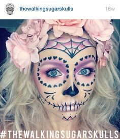 Pale Pastels – Celebrate Day of the Dead With These Sugar Skull Makeup Ideas – Photos Loading. Pale Pastels – Celebrate Day of the Dead With These Sugar Skull Makeup Ideas – Photos Halloween Clown, Halloween Costumes You Can Make, Halloween Makeup Looks, Halloween 2018, Fall Halloween, Halloween Stuff, Vintage Halloween, Diy Halloween Face Paint, Halloween Costume Makeup