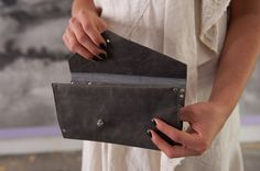 Torri Wallet, Pewter Leather – Cipriano Designs