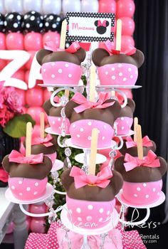 Amazing candy apples at a Minnie Mouse Polka dots Birthday Party!  See more party ideas at CatchMyParty.com!