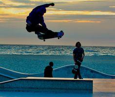 #instagood #tbt #photooftheday #followback #love #californiacoast #southerncalifornia #venicebeach #venicebeachboardwalk #venicebeachskatepark #skaters #lifeinmotion #skateboard #skaterslife #brucebeanphotography