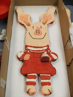 Olivia the Pig Cupcake Cake  SOOO adorable! Def gonna use this for one of Madden's bdays.. Madden Olivia <3