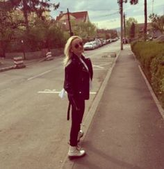 Fashion Chick - Izabella Cete Hipster, Style, Fashion, Swag, Moda, Hipsters, Fashion Styles, Hipster Outfits, Fashion Illustrations
