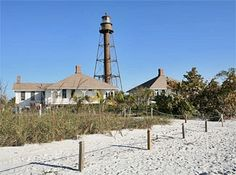 Photographs, history, travel instructions, and GPS coordinates for Sanibel Island Lighthouse.