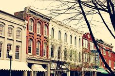 Twitter feed - @Keeks 23 Sep 2012 | I'm pretty sure in Franklin, TN you are 98% more likely to have an awesome relationship with God. #idyllic #smalltowncharm #QuitterConf | Franklin, TN
