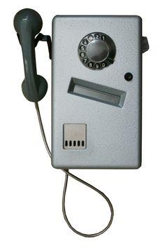 De telefoon inde telefooncel. Waar de mujntjes nooit in wilden, er dus net zo hard weer uit vlogen. Good Old Times, Vintage Hippie, Old Tv, Do You Remember, Sweet Memories, My Memory, The Good Old Days, Retro, Science And Technology