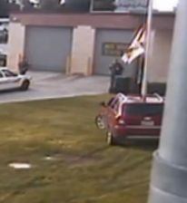 After being asked to move his SUV from a no parking area at a JAIL, this guy hops in his vehicle, does donuts, and crashes into the flagpole! @me_kimba #LiteMiami http://www.local10.com/news/man-joyrides-on-florida-jail-lawn-ends-up-in-jail/34403724