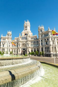 travel guide: madrid, spain architecture красивые м Places To Travel, Travel Destinations, Places To Visit, Holiday Destinations, Packing Tips For Travel, Travel Guides, Places Around The World, Around The Worlds, Spain Travel
