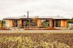 平屋を回遊しながらくつろぐ家 Fさま邸 平屋を回遊しながらくつろぐ家 Fさま邸|重量木骨の家 選ばれた工務店と建てる木造注文住宅
