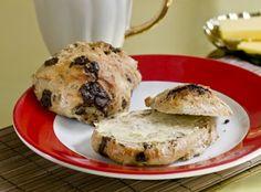 Boller med chokolade er perfekte på morgenbordet i weekenden - disse er af den lidt grovere type, men bestemt stadig smagfulde!
