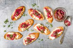 Try Grilled goats' cheese baguette by FOOBY now. Or discover other delicious recipes from our category Aperitif fingerfood. Baguette, Clean Eating Snacks, Healthy Snacks, Appetizer Recipes, Appetizers, Snacks Sains, Food Trends, Original Recipe, Food Print