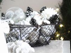 cottage+christmas+decor | beach cottage Christmas - decorations. Nice!