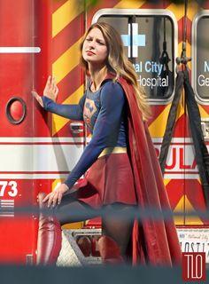 Melissa-Benoist-On-Movie-Set-Super-Girl-Tom-Lorenzo-Site-TLO (1)