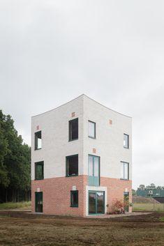 Monadnock Atlas House Facade south-west - Stijn Bollaert 0038
