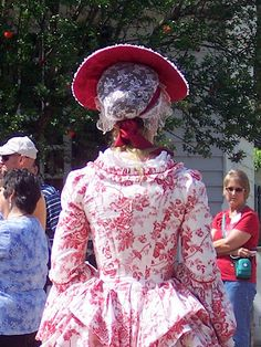 Colonial Williamsburg -- a few pictures of the dresses worn by the costumed interpreters in Revolutionary City