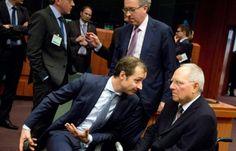 """ΤΟ ΚΟΥΤΣΑΒΑΚΙ: Κλιμάκωση στις Βρυξέλλες: Αποτυχία των διαπραγματε... Η Σύνοδος των υπουργών οικονομικών των χωρών της ευρωζώνης στις Βρυξέλλες, έληξε πρόωρα και χωρίς αποτέλεσμα.  Οι διαπραγματεύσεις μεταξύ των ελληνικών αρχών και της ΕΕ κατέληξαν σε αδιέξοδο. Σύμφωνα με ορισμένες αναφορές των μέσων ενημέρωσης, η συνεδρίαση του Eurogroup στις Βρυξέλλες τη Δευτέρα, 16 του Φλεβάρη τελείωσε πρόωρα """"μετά την αμοιβαία ανταλλαγή των απαιτήσεων""""."""