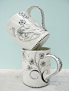 sharpie porcelain pen mugs // Sharpie Projects, Sharpie Crafts, Sharpie Art, Sharpies, Clay Projects, Sharpie Mug Designs, Pottery Painting, Ceramic Painting, Ceramic Art