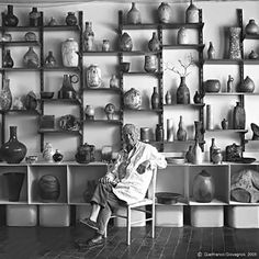 Italian ceramics maestro, Marcello Fantoni, Italy (1915 - 2011)