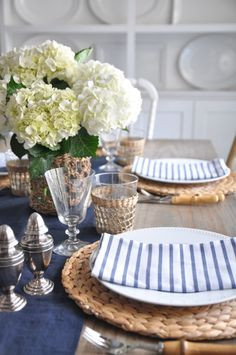 A little throwback to a table setting from summer as inspiration for my Thanksgiving table this year.think I'm going with inky navy,… Dining Room Table Decor, Deco Table, Decoration Table, Dining Plates, Blue Table Settings, Easter Table Settings, Fall Table, Thanksgiving Table, Rustic Home Interiors