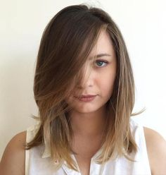 Fine hair is often described as silk or as soft as a baby. This hair type has a beautiful and touchable texture. Fine hair is also usually likened to thin hair. Fine hair can actually be thin or th… Haircuts For Fine Hair, Cool Haircuts, Hairstyles With Bangs, Straight Hairstyles, Cool Hairstyles, Woman Hairstyles, Hairstyles 2016, Black Hairstyles, Bangs With Medium Hair