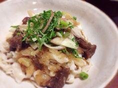 (野生蘑菇蘿蔔泥麵條)  ウチの近くの美味しい製麺所のうどんを使って。でも茹ですぎて余っちゃいました〜(^◇^;) - 70件のもぐもぐ - 山のキノコ入りおろしうどん by まちまちこ