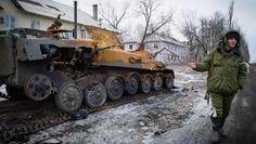 Sicherheitskonferenz Der Tag, an dem die Welt zerfiel Vorwürfe, Anschuldigungen, unverhohlene Drohungen: Niemals zuvor in den vergangenen zwanzig Jahren lagen Ost und West so weit auseinander, traten die Differenzen so offen zu Tage wie auf der Münchner Sicherheitskonferenz. Der Ukraine-Konflikt droht zur Weltkrise zu werden.