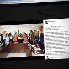 Instagram media by jeanwyllys_real - UM NOVO ATAQUE DOS GOLPISTAS AOS DIREITOS LGBT  Vocês lembram dessa postagem minha de alguns dias atrás? Lembrando: a presidenta Dilma ainda não tinha sido afastada e eu organizei uma reunião dos movimentos representativos da comunidade trans com ela, na qual Dilma assinou um decreto reconhecendo o direito ao nome social na administração pública federal.  E o que é que os golpistas querem fazer agora? Anular esse decreto!  Sim, isso mesmo: os deputados…