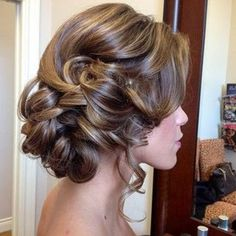 Bridesmaid Hair Updos Weddings Back bridal-hairstyle-upd Fancy Hairstyles, Wedding Hairstyles, Bridesmaids Hairstyles, Hairstyle Ideas, Wedding Hair And Makeup, Hair Makeup, Great Hair, Prom Hair, Prom Updo